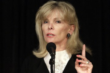 Darla Moore one of two inductees for S.C. Hall of Fame (Image 1)_56594