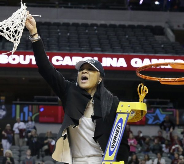 Dawn Staley with net_381279