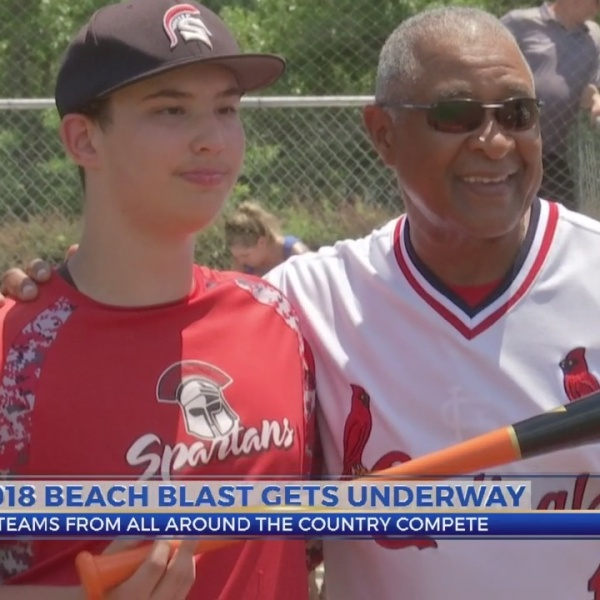 MLB Hall of Famer Ozzie Smith Visits Myrtle Beach