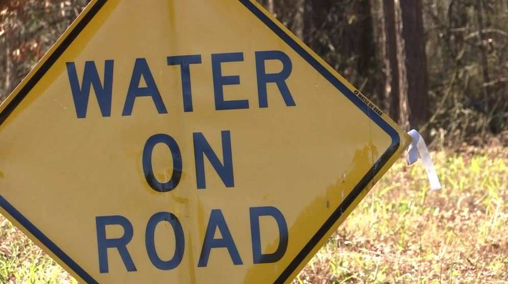 water on road_169407