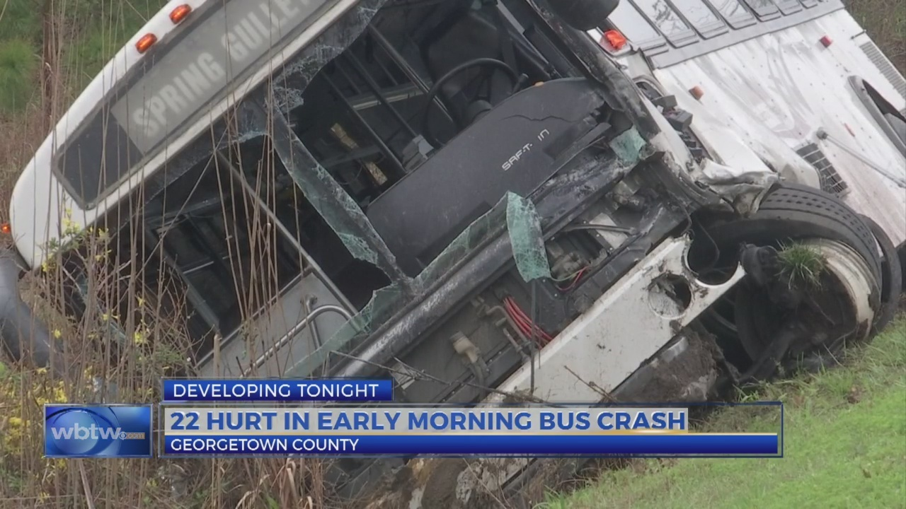 More than 20 people hurt in bus crash in Georgetown County