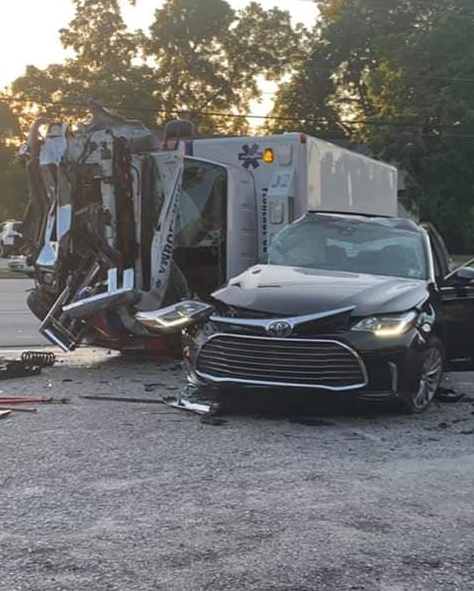 Ambulance crash in Florence County sends 4 to hospital | WBTW
