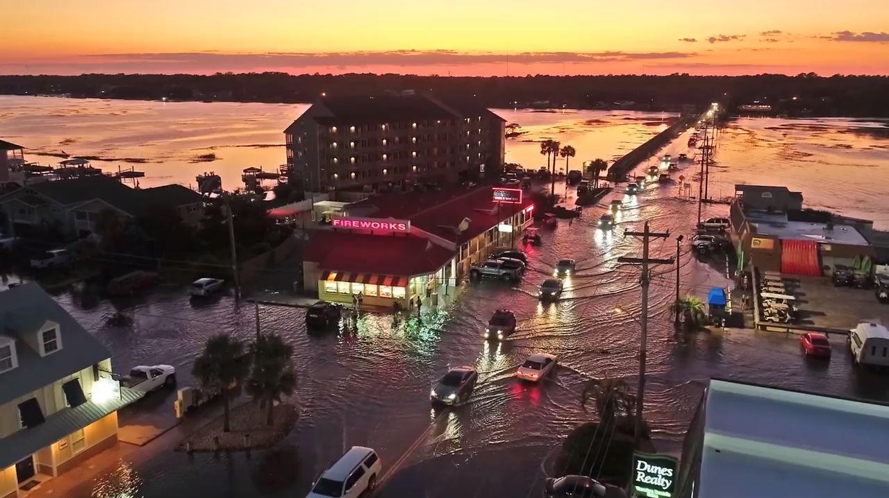 VIDEO Coastal flooding in Garden City