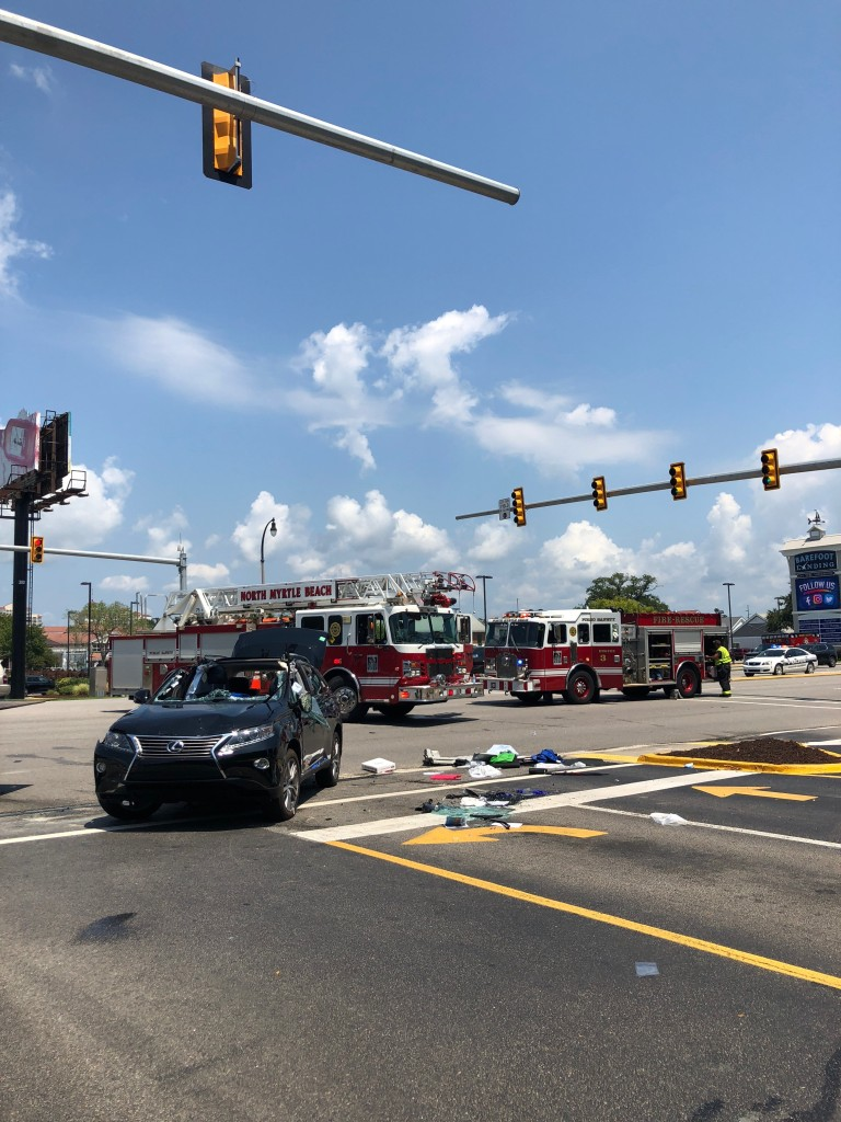 Road cleared after multiple-vehicle crash on Hwy 17 | WBTW