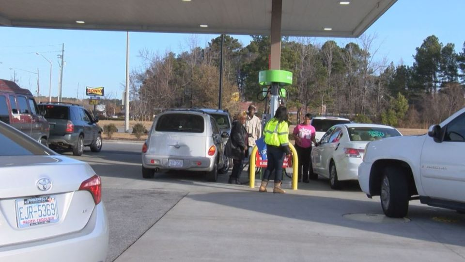 Gas Prices Forecast To Drop 2 A Gallon This Fall In