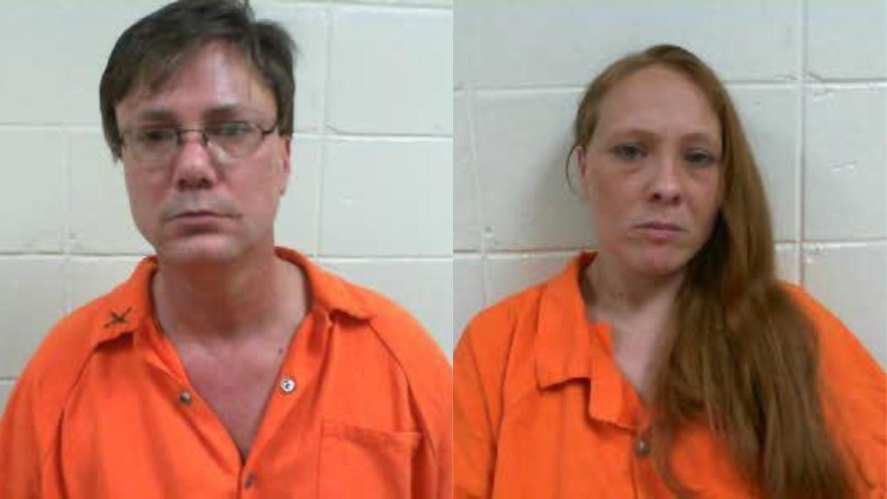 Oklahoma: Cartwheeling choir teacher arrested for exposing