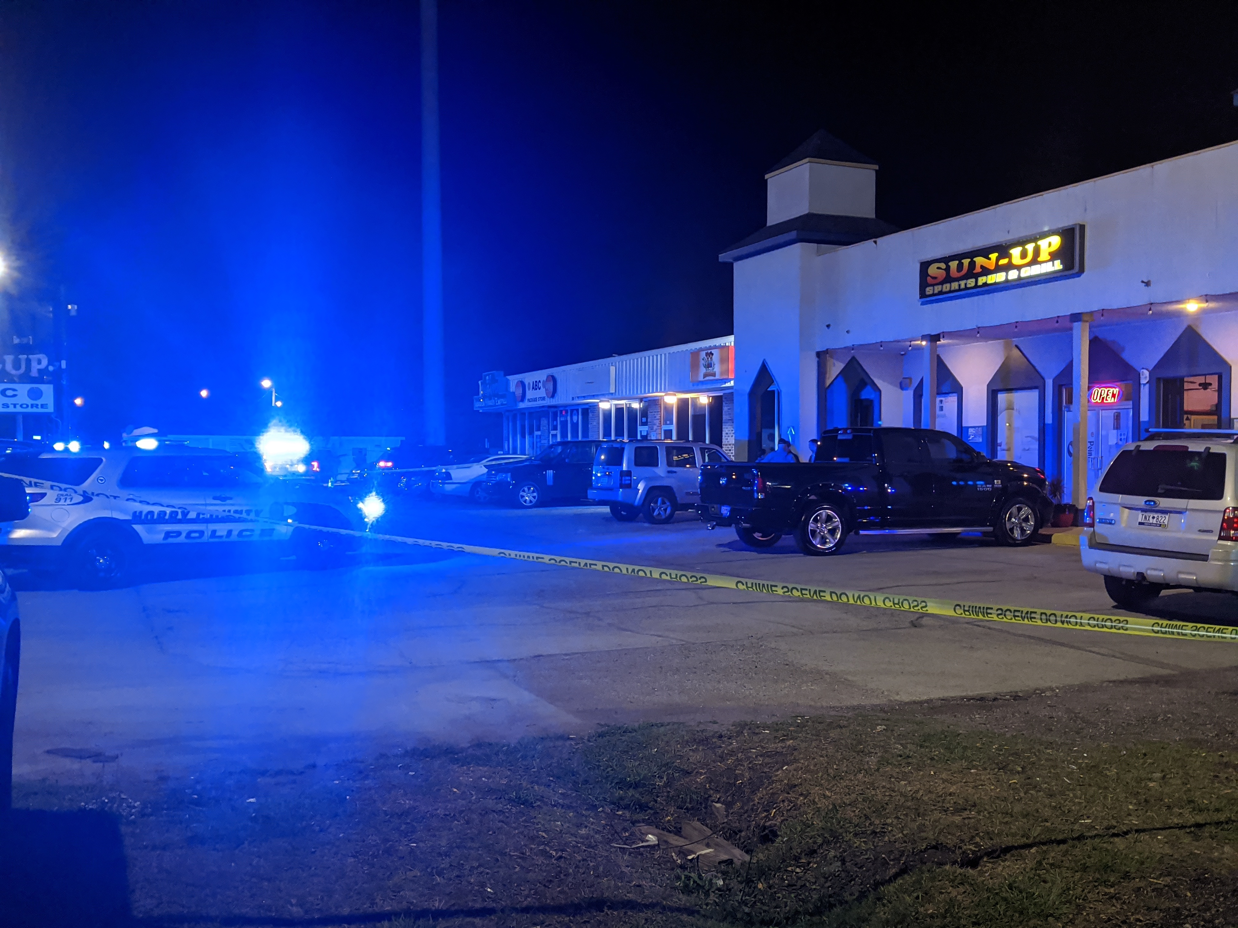 Police: Man found with wounds in his neck from stabbing at Socastee bar